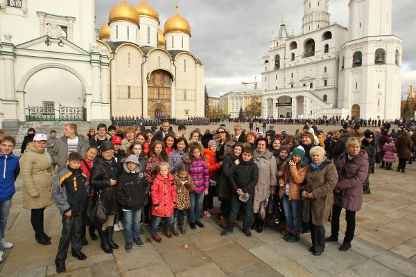 0959_Лауреаты Фестиваля-Ассамблеи Будущее России на экскурсии в Московском Кремле